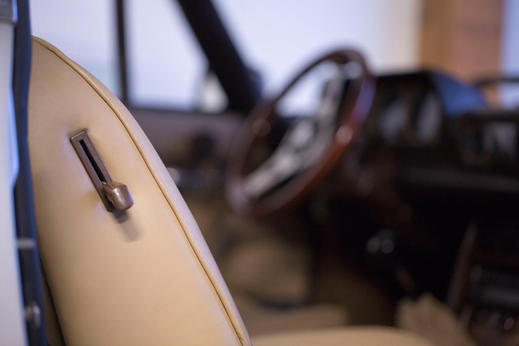 autositz-mit-leder-beziehen-lassen